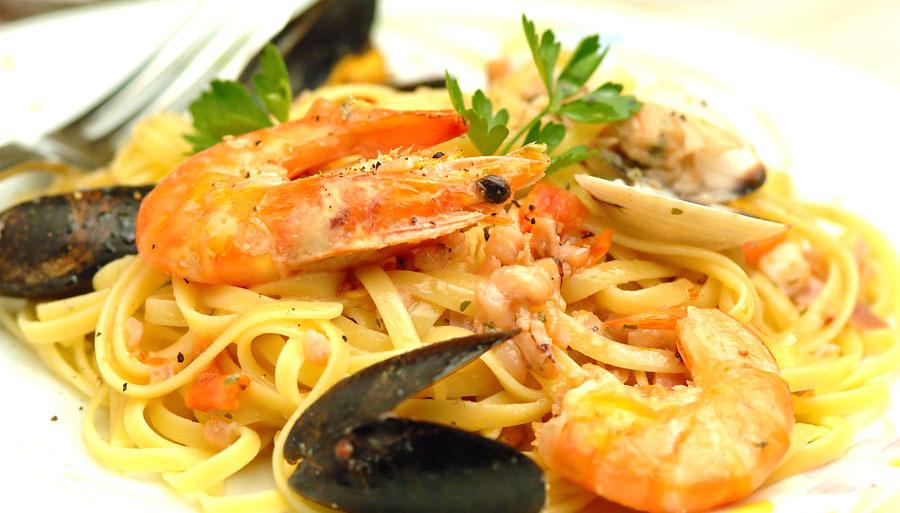 linguine-allo-scoglio-briante-chef-fumetto-pesce-crostacei-prodotti-cucina-professional-derado-matera-basilicata